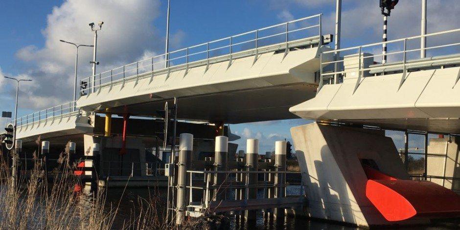 Nelson Mandelabrug Alkmaar grootste van composiet