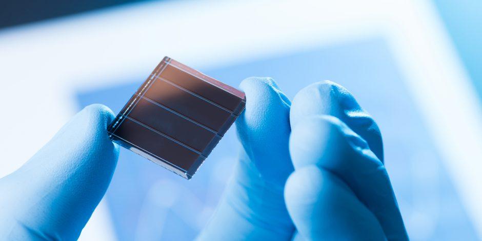 Zonnecellen van perovskiet sterker door fluoride