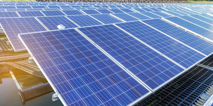 In 2023 twee gigawatt drijvende zonneparken