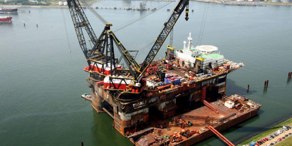 Kraanschepen stappen over van dieselgeneratoren naar windenergie